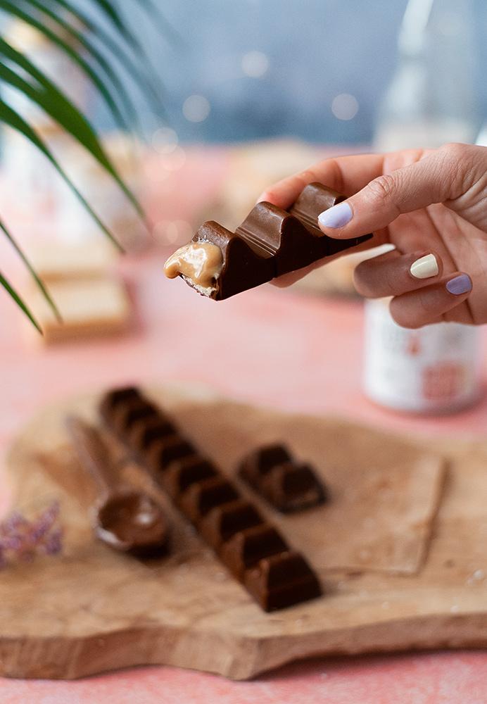 Barritas de chocolate rellenas de crema de anacardos pura | The Nut Club